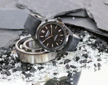 Formex Essence Leggera Automatik Chronometer Forged Carbon
